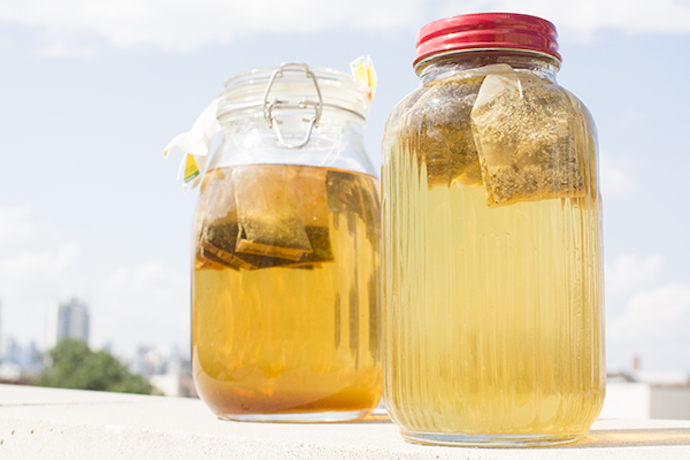 How to brew sun tea and great tips to make it even more delicious