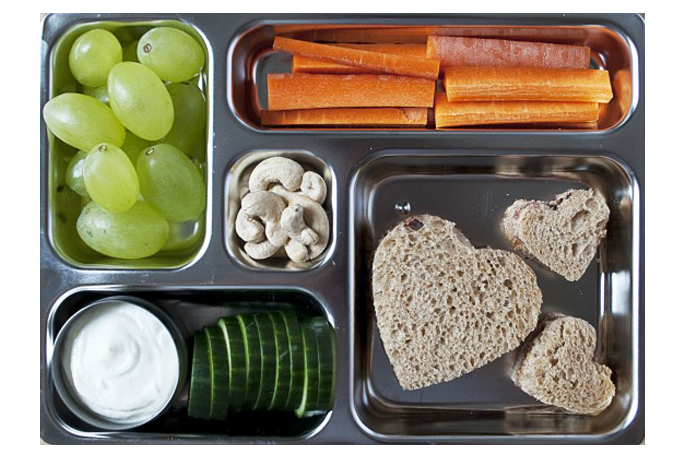 Lunch box tip: 9 healthy dips for school lunch sandwich alternatives that your kids will love.