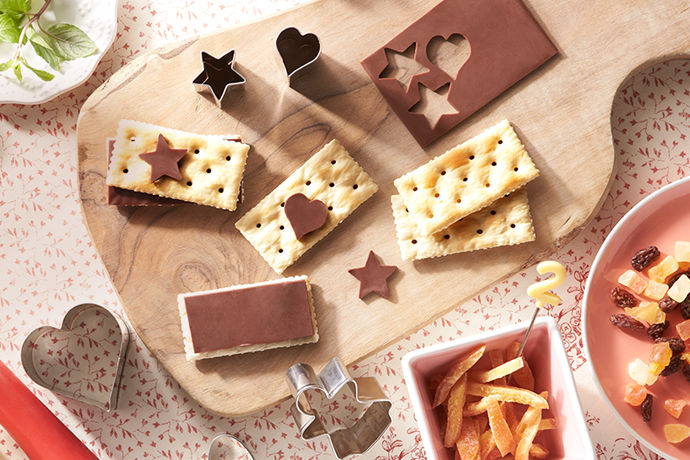 Web Coolness: Sliced chocolate, beautifully easy gingerbread cookies, UberEATS, and more.