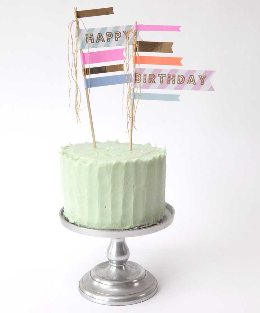 This cool birthday cake idea for tweens and teens doesn't require any cake decorating at all. Phew! | Happy Birthday Flags at the Oh Happy Day store