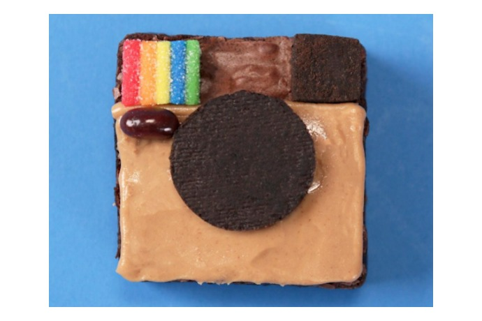 Web Coolness: Instagram brownies, champagne gummy bears, and the most outrageous Valentine's lollipops ever.