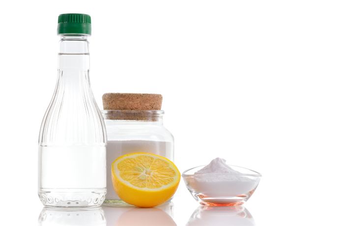 Non-toxic spring cleaning with salt: 8 unexpected uses in the kitchen beyond cooking.