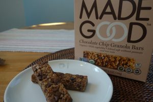 We're loving MadeGood Granola Bars because they are allergy free—plus they have extra veggie power that you'd never know was in there. Score! | Cool Mom Eats