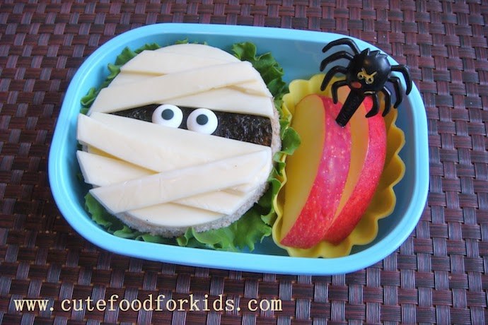 8 eerily easy Halloween school lunch ideas. You can make these, we promise.