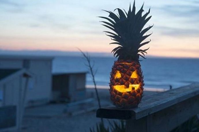 Web Coolness: Pineapple jack-o-lanterns, Hello Kitty wine, and Taco Bell is now healthy fast food (wait, what?).