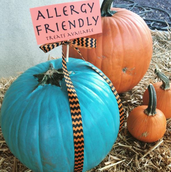 Teal Pumpkin Project for kids with food allergies. Participating is easy and makes trick-or-treating safer and more fun for all kids. | Cool Mom Eats