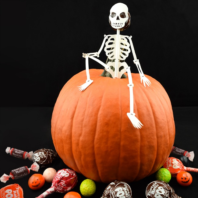 Tootsie Roll Company candy is a great allergy-friendly Halloween candy option. | Cool Mom Eats