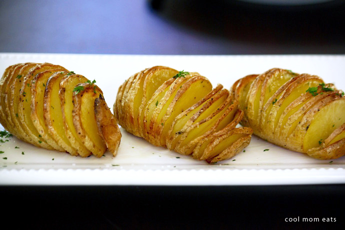 How to make Hasselback potatoes: 5 easy steps to the most crispy-on-the-outside, tender-on-the-inside potatoes.