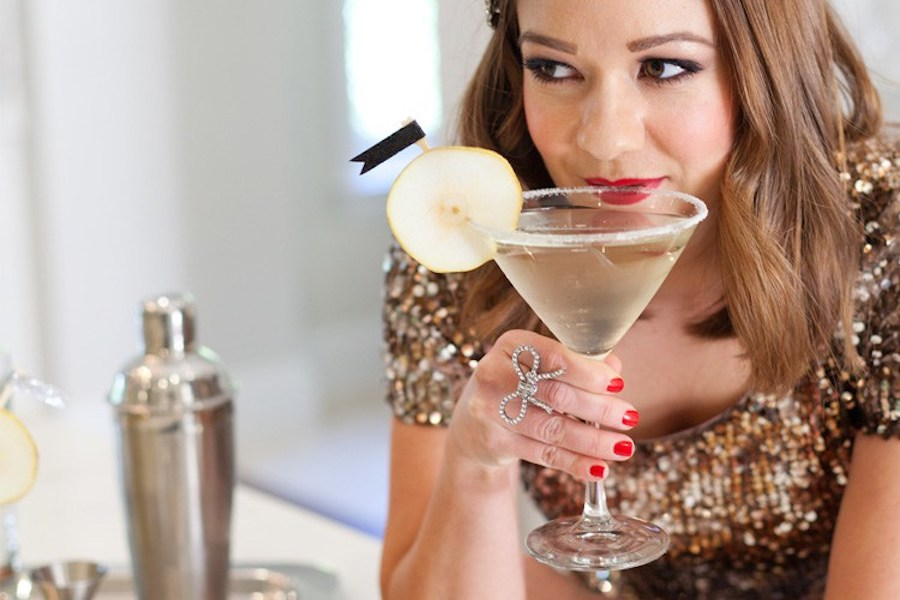 The best New Year's Eve cocktails and mocktails for toasting the new year. Because we're so ready for the new year.