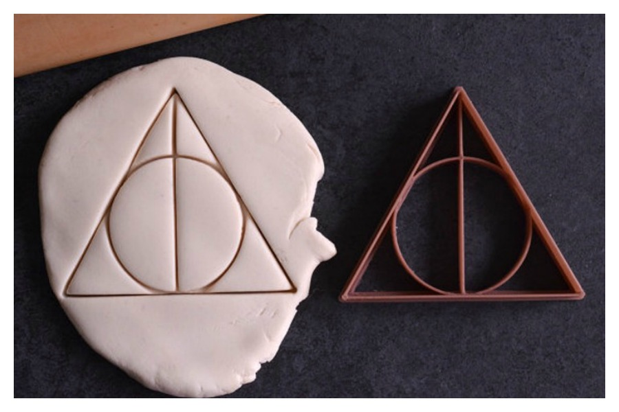 Cool Harry Potter cookie cutters that will make even muggle bakers look like they can work magic in the kitchen.