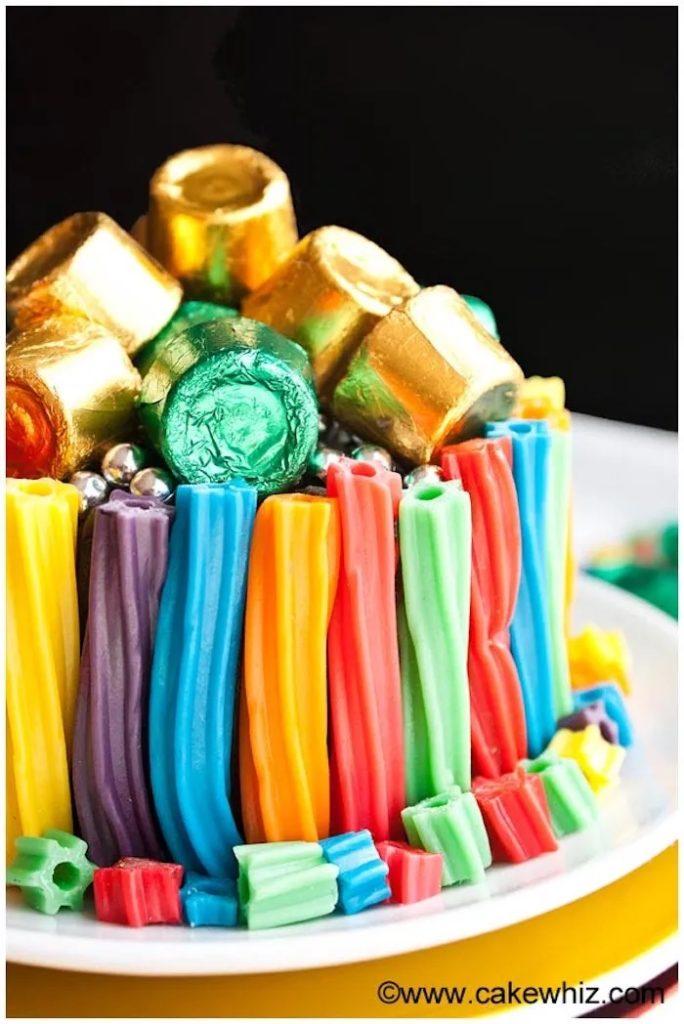 Rainbow-Twizzler-Cake-at-Cake-Whiz
