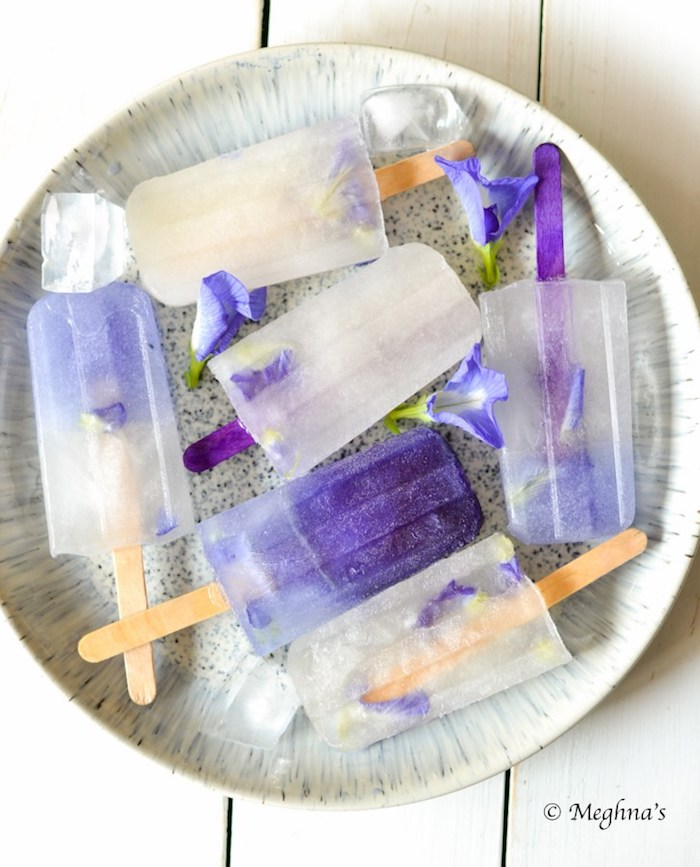 Gourmet popsicle recipes: Blue Ombre Edible Flower popsicles at Meghna's