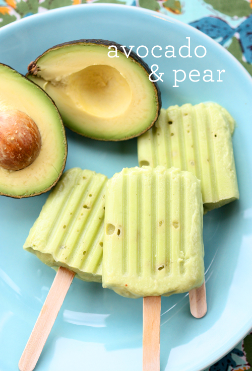 Low sugar teething snacks: Avocado Pear Popsicles | The Spunky Coconut