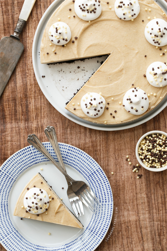 Fantastic no-bake cake recipes: No-Bake Peanut Butter Banana Pie at Love and Olive Oil
