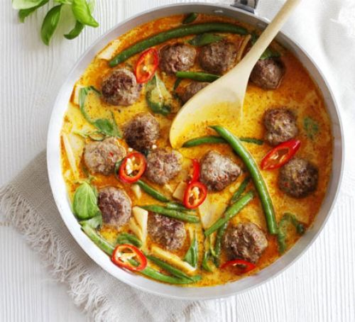 Cool Mom Eats weekly meal plan: Pork Meatball Curry | Food to Love