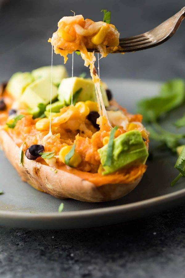 Back to school freezer meals: Freezer to Oven Enchilada Stuffed Sweet Potatoes | Sweet Peas and Saffron