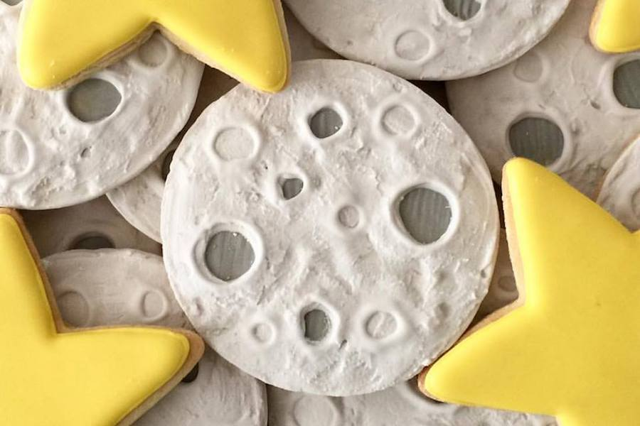 Easy solar eclipse recipes for last minute fun! Eclipse Cookies by Oh Sugar Events