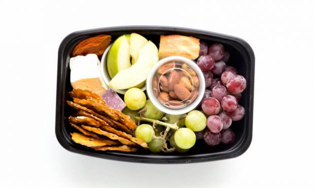 10+ easy non-sandwich school lunch ideas | Cheese Tray lunch at Eazy Peazy Mealz