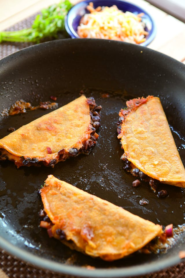 Cool Mom Eats weekly meal plan: Crunchy Black Bean Tacos from Love Your Leftovers cookbook by Nick Evans at The Kitchn