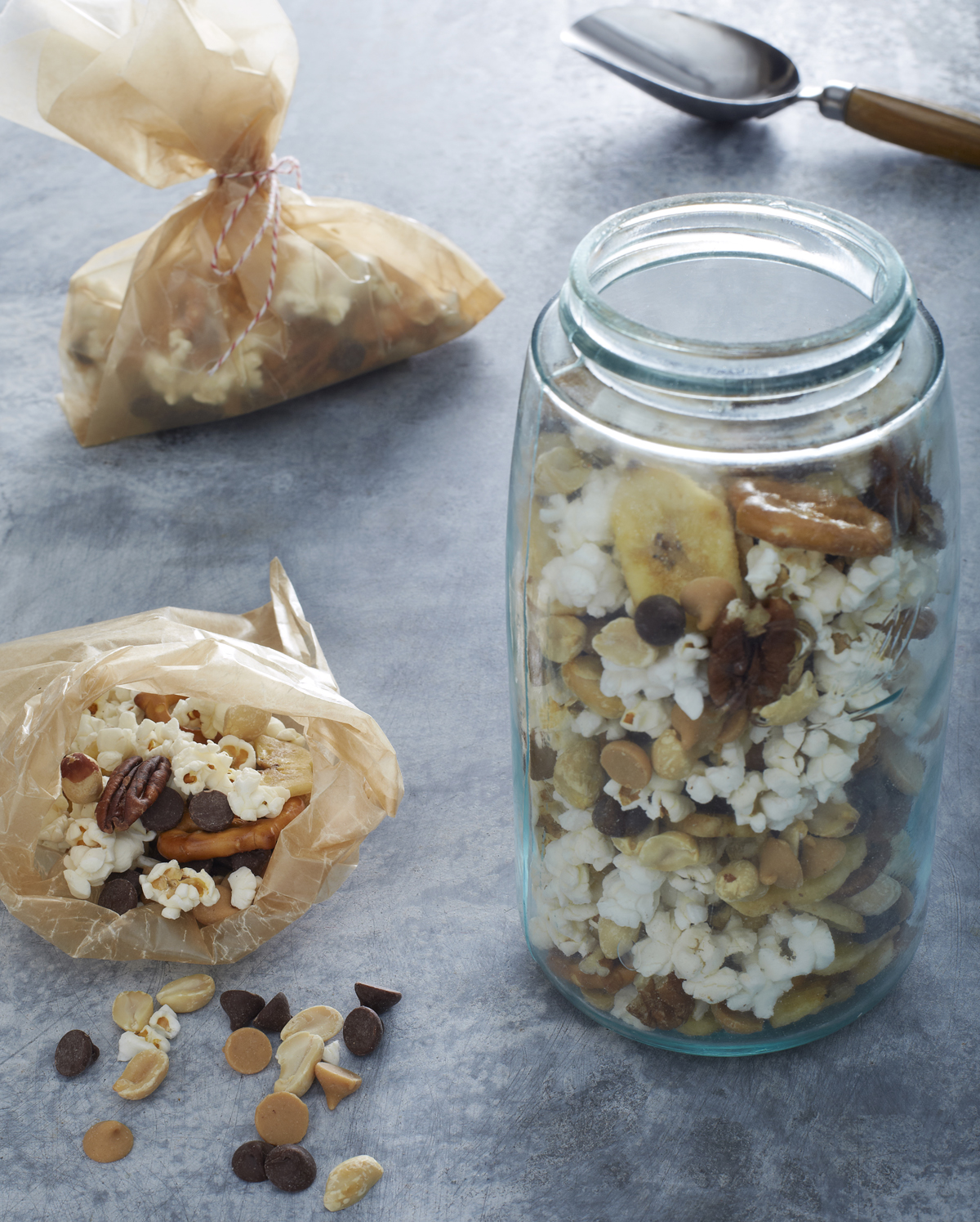 Sunday prep: DIY Trail Mix   Make It Easy cookbook for families by Stacie Billis