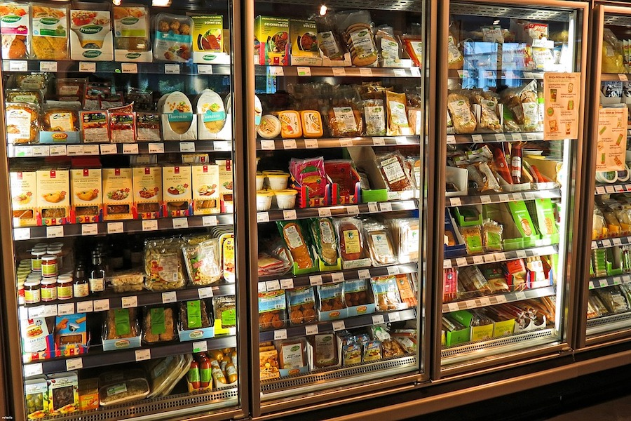 Which frozen foods are safe to eat after a power outage? A great list and a smart food safety hack.