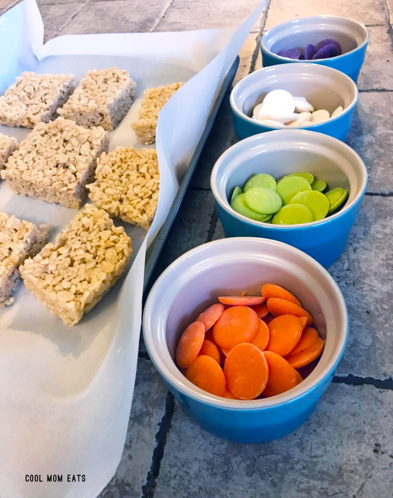 How to turn a single pan of Rice Krispies Treats into easy Halloween snacks with this simple trick! | Cool Mom Eats | © photo by Caroline Seigrist