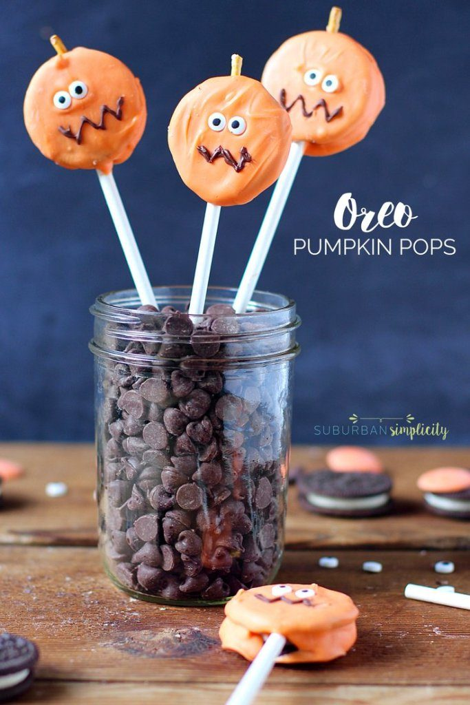 Easy Halloween treats for kids: Oreo Pumpkin Pops | Suburban Simplicity