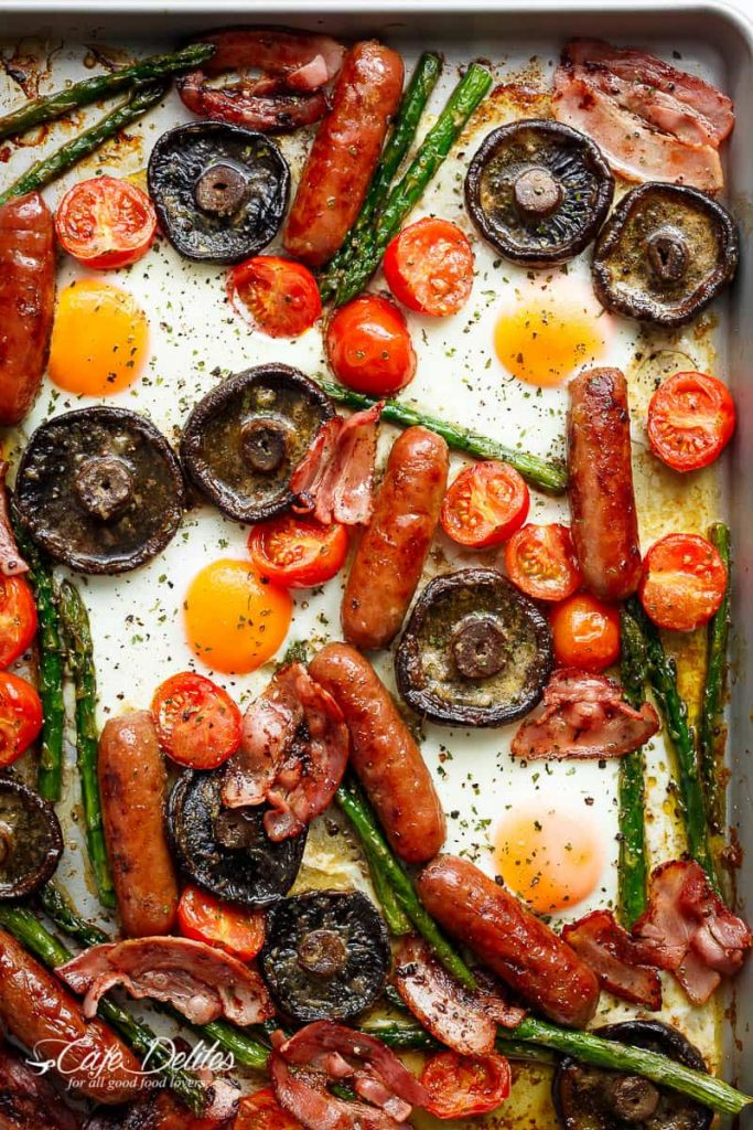 Sheet pan breakfast recipes:Sheet Pan Full Breakfast with Garlic Butter Mushrooms | Cafe Delites
