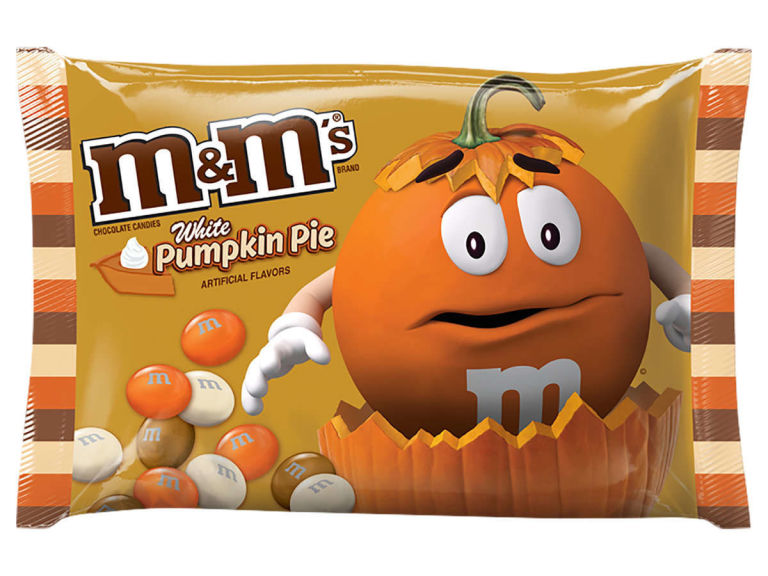 All the new halloween candy that you have to try for Halloween 2017! White Pumpkin Pie M&Ms | Cool Mom Eats
