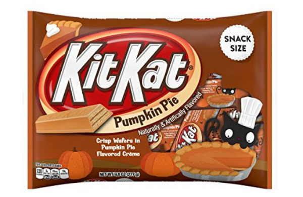 All the new halloween candy that you have to try for Halloween 2017! Pumpkin Pie Kit Kats | Cool Mom Eats