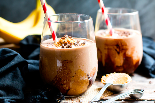 Easy on-the-go dinner recipes for when you have to eat going to or from after school activities: Chocolate and Peanut Butter Smoothie at Evolving Table