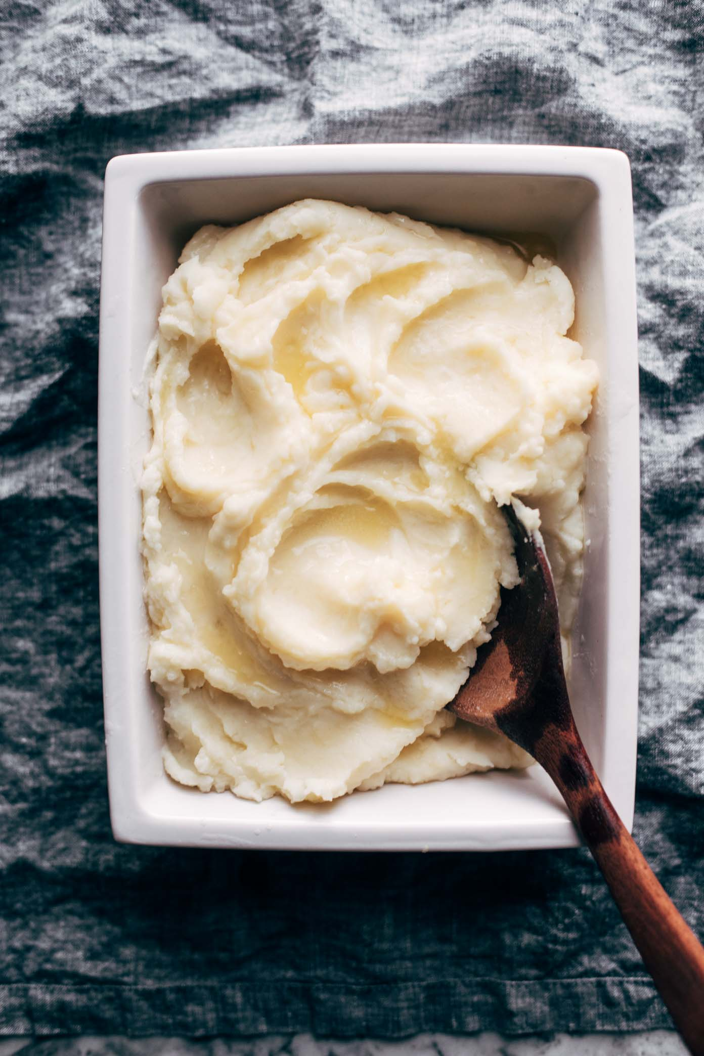 Thanksgiving recipes you can make in your Instant Pot! Instant Pot Mashed Potatoes | Pinch of Yum