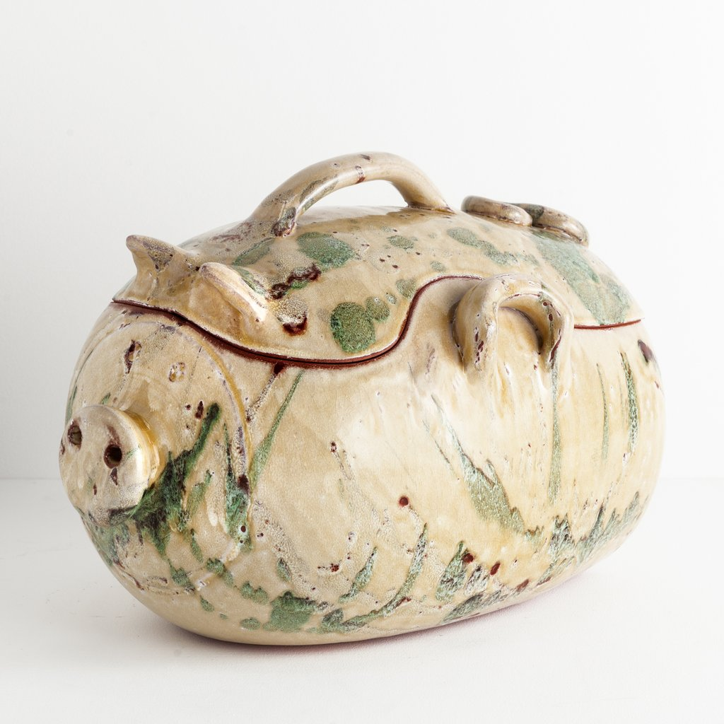 Splurge gifts for foodies who like to cook and eat it all: Bellocchi Pig Casserole handmade, oven-to-table dish at Shed   Cool Mom Eats holiday gift guide 2017