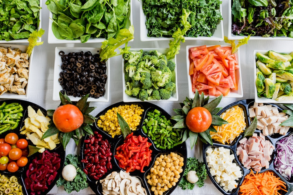 Thanksgiving cooking hacks: Shop for veggies on the salad bar | Photo by Dan Gold via Unsplash