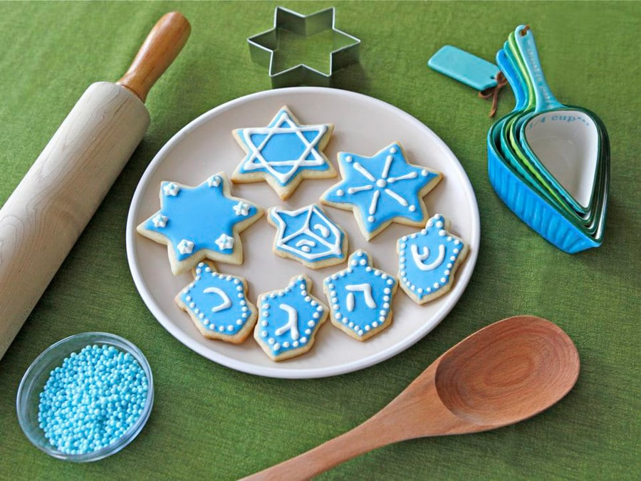 Hanukkah cookie recipes | Hanukkah Sugar cookies at Tori Avey