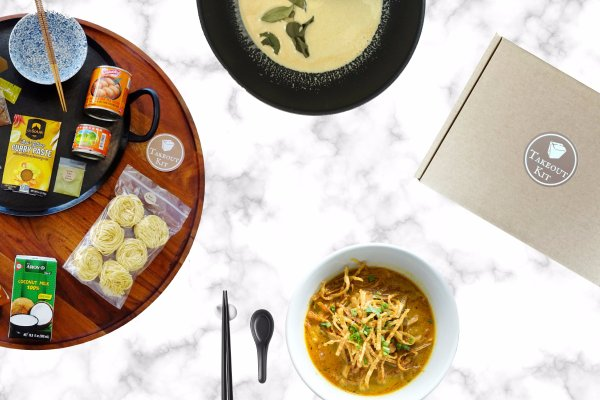 Best food subscription boxes for last-minute holiday gifts: Takeout Kit is a meal kit delivery that gives the gift of a fun dinner adventure 1-4 times a month. Perfect for an adventurous home cook who's too busy to find exotic ingredients or off-the-beaten path recipes | Cool Mom Eats holiday gift guide 2017