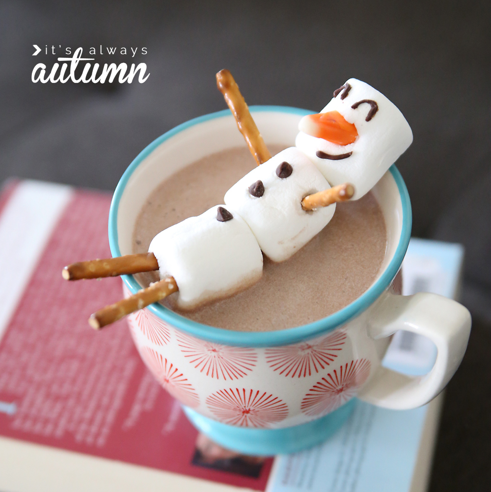 Delicious and totally easy holiday food crafts for kids: Marshmallow snowmen at It's Always Autumn