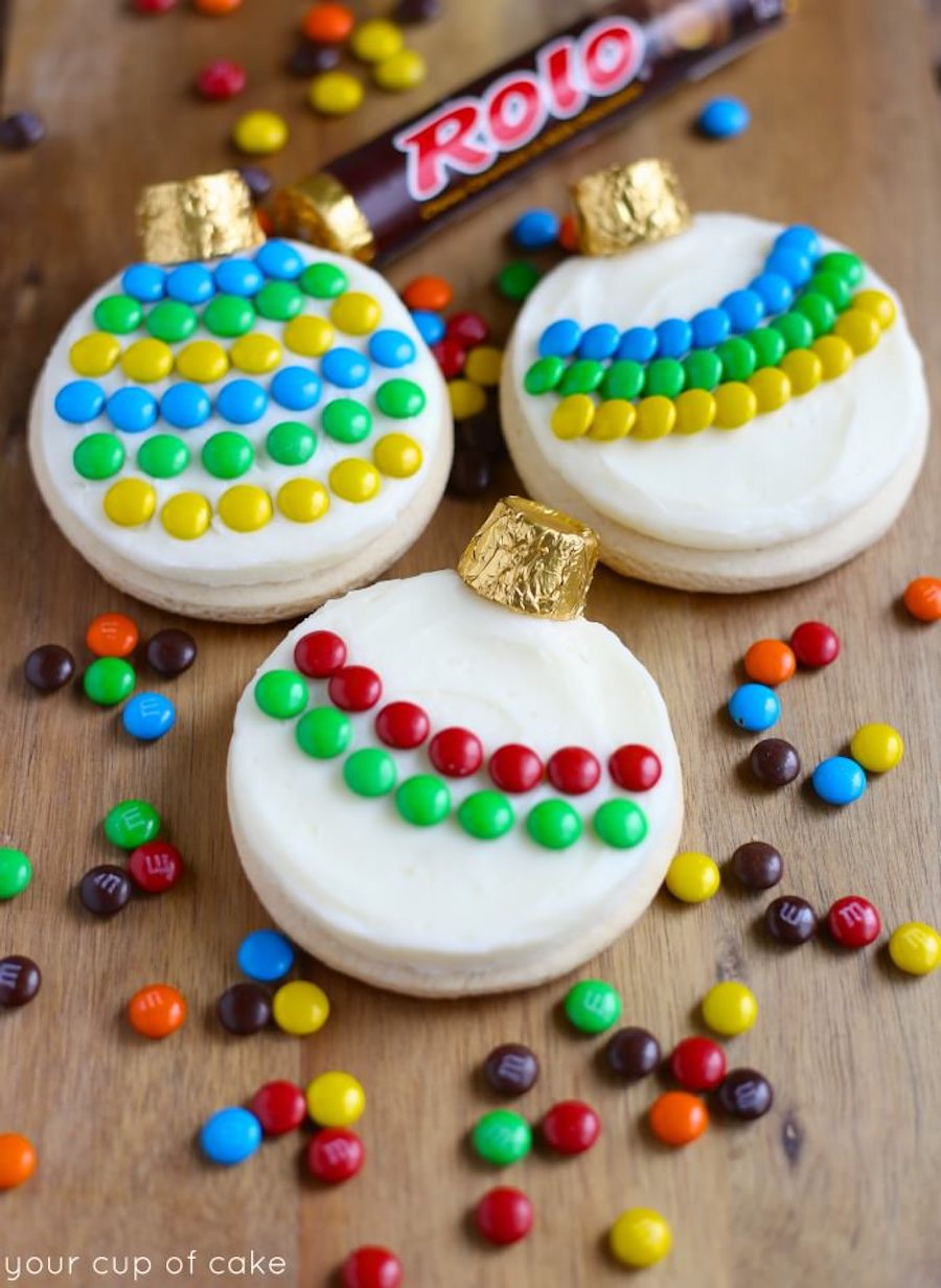 Delicious and totally easy holiday food crafts for kids: DIY decorated ornaments at Your Cup of Cake