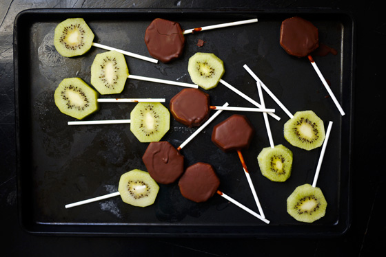Healthy dessert recipes for kids: Easiest Chocolate-Covered Fruit Pops | One Hungry Mama