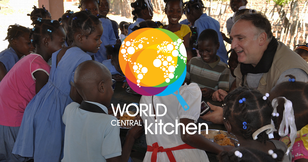 Holiday gifts for food lovers that do good in the world: A supporting donation to World Central Kitchen, brought to us by Chef Jose Andres | Cool Mom Eats holiday gift guide 2017