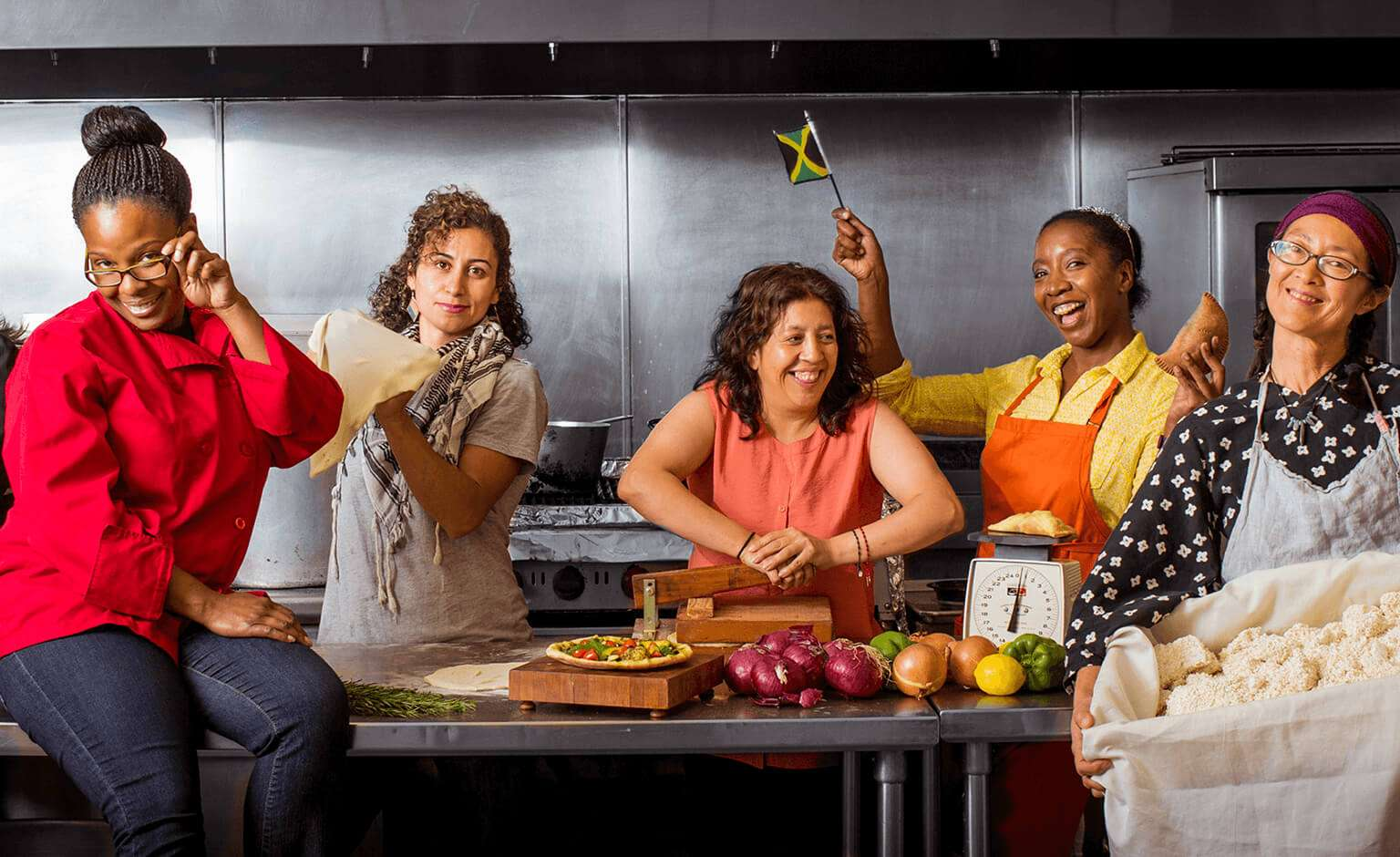 Holiday gifts for food lovers that do good in the world: Supporting donation to La Concina, which supports women from communities of color and immigrant communities working to start their own food businesses in and around San Francisco | Cool Mom Eats holiday gift guide 2017