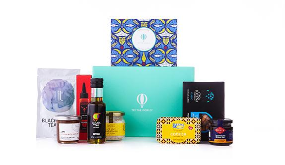 Try the world food subscription box for last-minute gift giving | coolmomeats.com