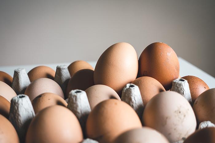 Are eggs heathy? The debate rages on! | Cool Mom Eats (photo by Jakub Kapusnak on Unsplash)