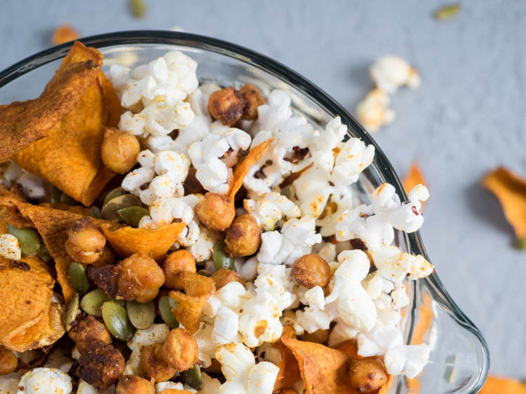 Fantastic recipes to make with kids that aren't dessert: Spiced Chickpea Snack Mix | The Seasoned Vegetable