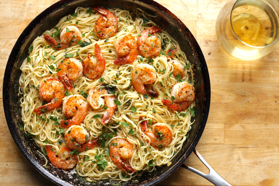 Black food bloggers you should be following -- because they're some of the best food bloggers out there, period: The Hungry Hutch - Shrimp Scampi Pasta recipe