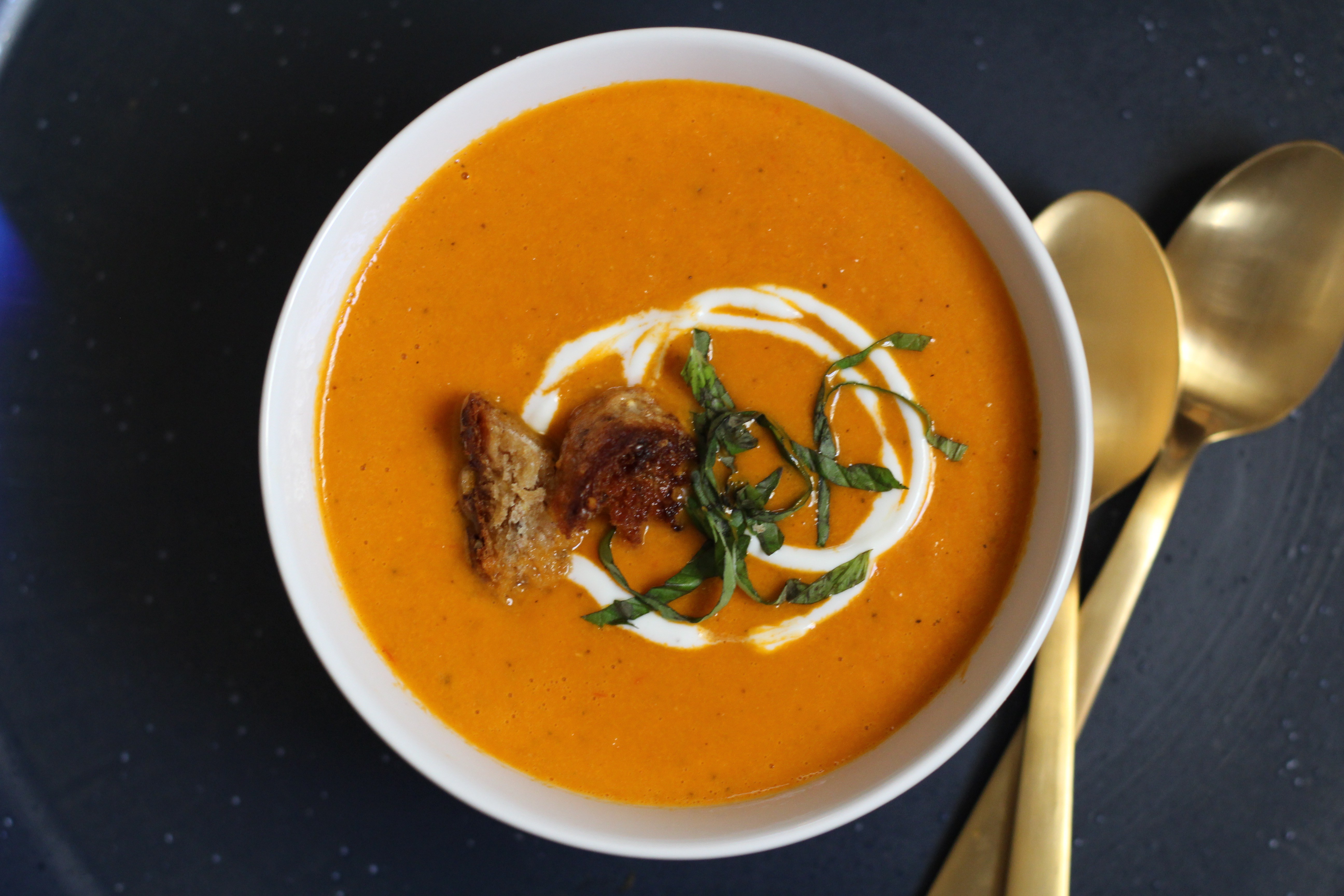 Cool Mom Eats weekly meal plan: Homemade Tomato Soup (perfect for pairing with a dinner-worthy grilled cheese sandwich!) at Amanda's Plate