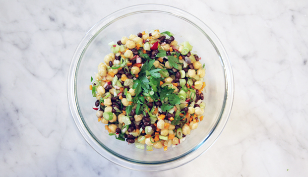 An easy, make-ahead, high-protein bean salad that you can make on Sunday and have on hand all week long for lunch, dinner or even snack time | Cool Mom Eats