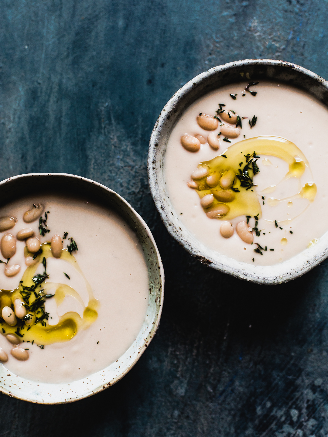 Skinny Instant Pot recipes: Instant Pot White Bean Soup | Heartbeet Kitchen