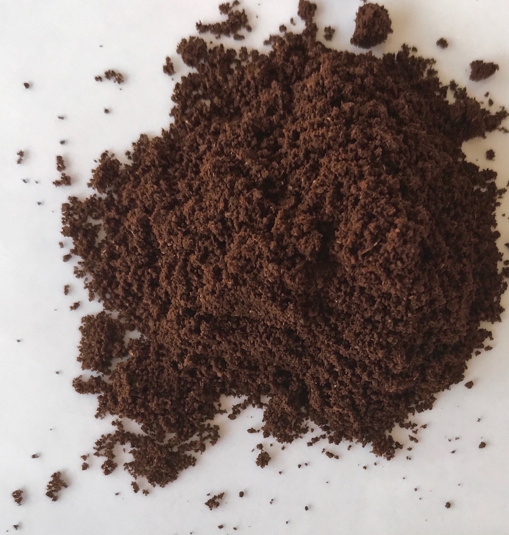 Visual guide to grinding coffee: Fine (espresso) | © Jane Sweeney Cool Mom Eats