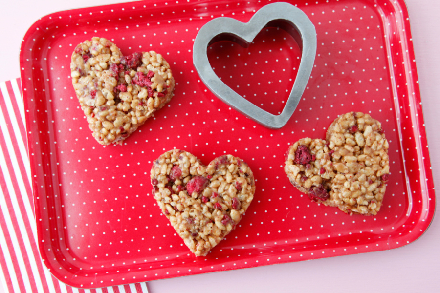 Last-minute lunch box treats for Valentine's Day: Heart Crispy Treats | Weelicious